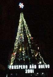 El Árbol gigante de navidad en Plaza Venezuela